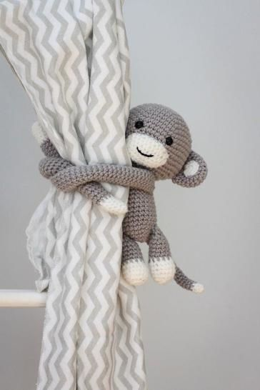 Cheeky monkey curtain tie back at Makerist - Image 1