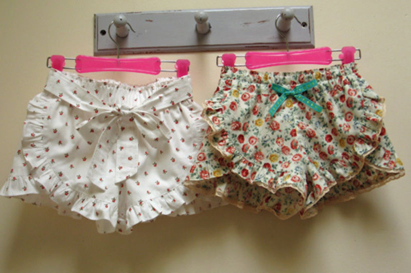 Girls Ruffled Shorts sewing pattern  at Makerist - Image 1