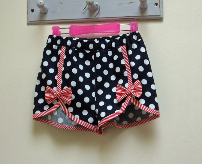 Girls Summer Shorts sewing pattern GIDGET SHORTS at Makerist - Image 1