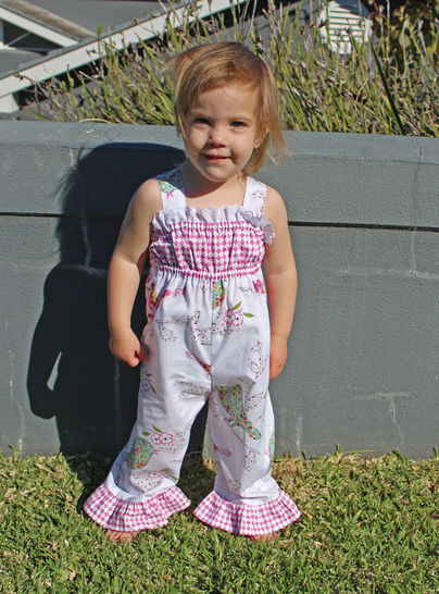 Baby Girl Romper sewing pattern PLAYGROUND ROMPER at Makerist - Image 1