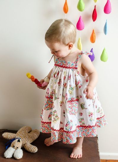 Girls Sundress sewing pattern DAISY SUNDRESS at Makerist - Image 1