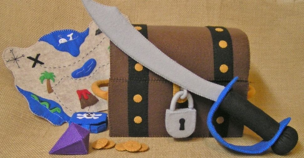 Toy Pirate Playset Sewing Pattern at Makerist - Image 1