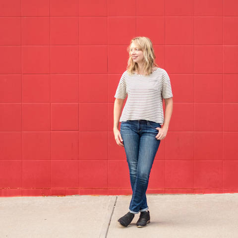 Wanderlust Tee - Simple Sewing Pattern for Knits at Makerist