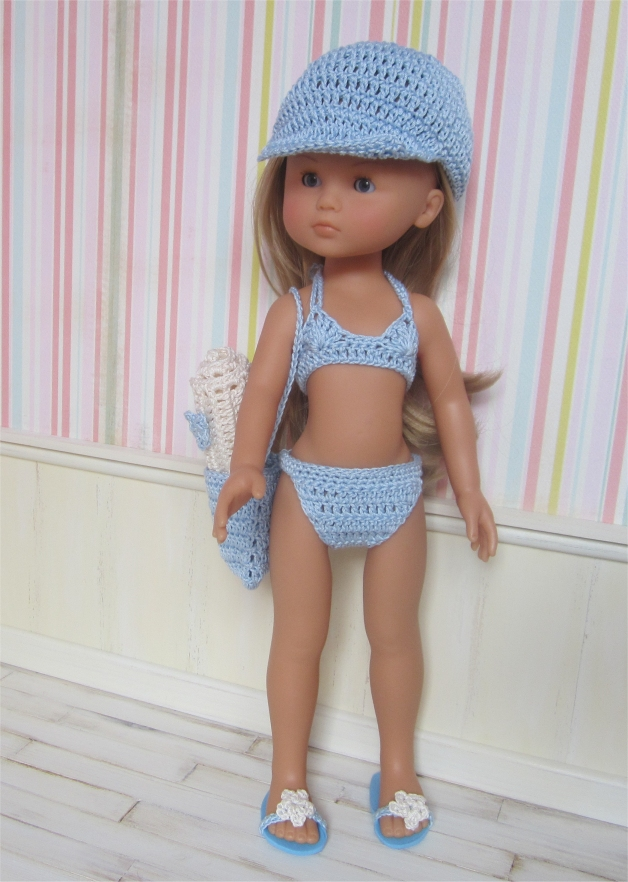 Camille on the beach : crochet outfit for 32-33cm doll