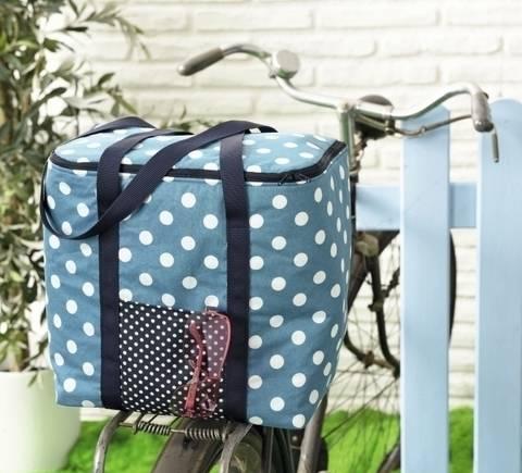 Genähte Kühltasche in Blau-weiß gepunktet bei Makerist