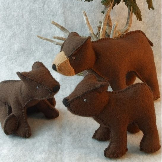 Teddy Bear Pattern and Illustrated Instructions for Felt Brown Bear Family at Makerist - Image 1