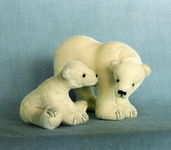 Teddy Bear Pattern and Illustrated Instructions for Polar Mom and Cub