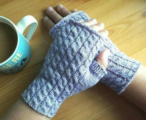 Autumn Twist Mitts
