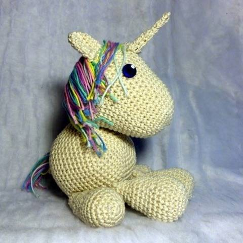 Unicorn - Licorne by Celenaa - amigurumi corchet pattern