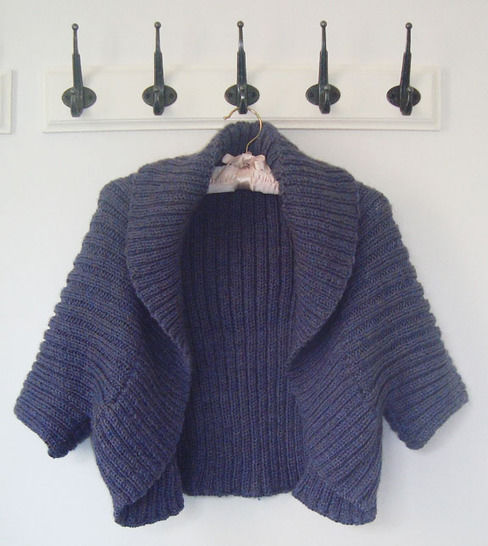 Aran Shrug Knitting Pattern at Makerist - Image 1