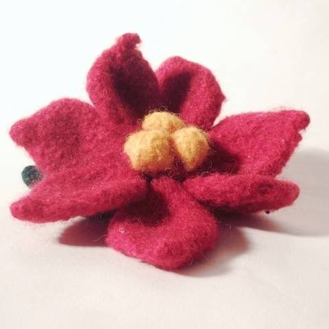 Poinsettia Felt Christmas Flower at Makerist