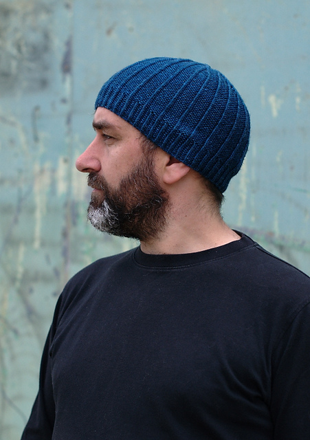 Darkke beanie hat - knitting pattern