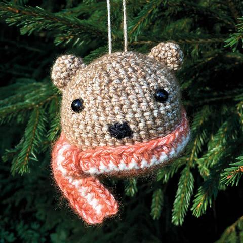 Weihnachtskugel Brownie der Bär - Häkelanleitung  bei Makerist
