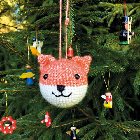 Weihnachtskugel Flo der Fuchs - Häkelanleitung  bei Makerist