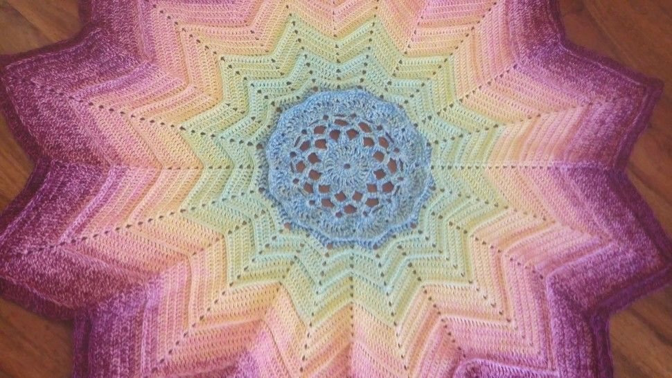 "Crochet Pattern Blanket with 12 tips ""Lotus"" at Makerist - Image 1"