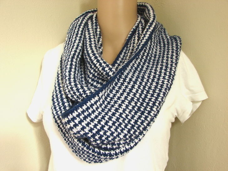 houndstooth long cowl - crochet pattern at Makerist - Image 1