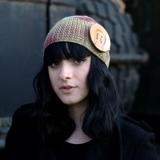 Buttonette beanie hat - knitting pattern at Makerist - Image 1