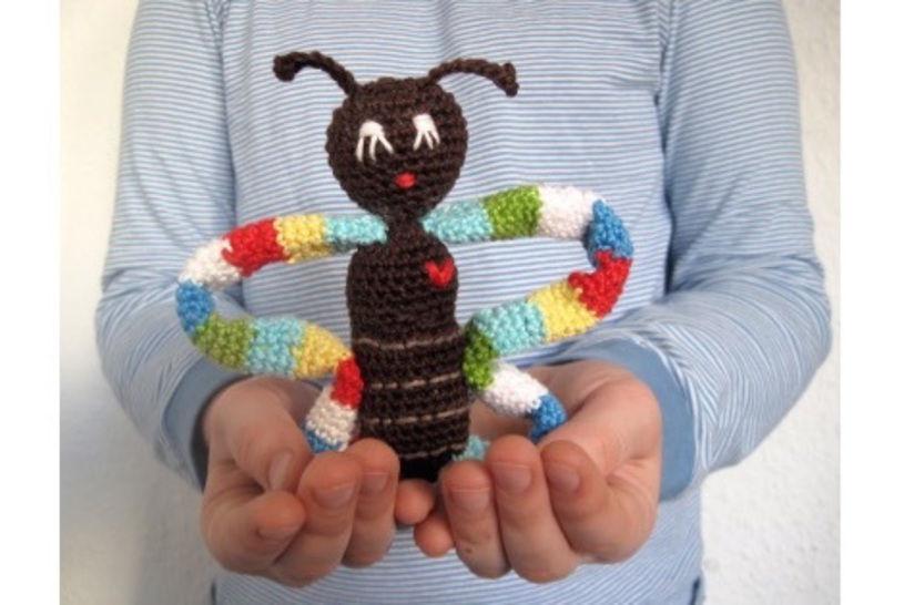 Häkelanleitung: Rassel Schmetterling bei Makerist - Bild 1