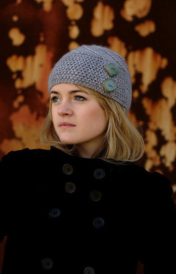 Lexie buttoned beanie - knitting pattern at Makerist - Image 1