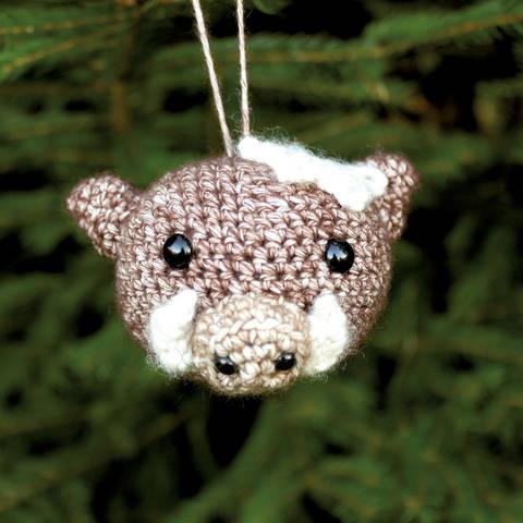Weihnachtskugel Rosi das Wildschwein - Häkelanleitung  bei Makerist