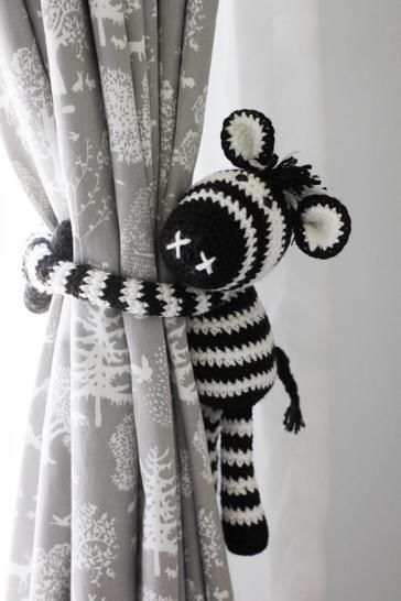 Thandi the Zebra curtain tie back at Makerist - Image 1