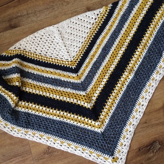 Crochet shawl pattern Norfolk Stripes at Makerist - Image 1