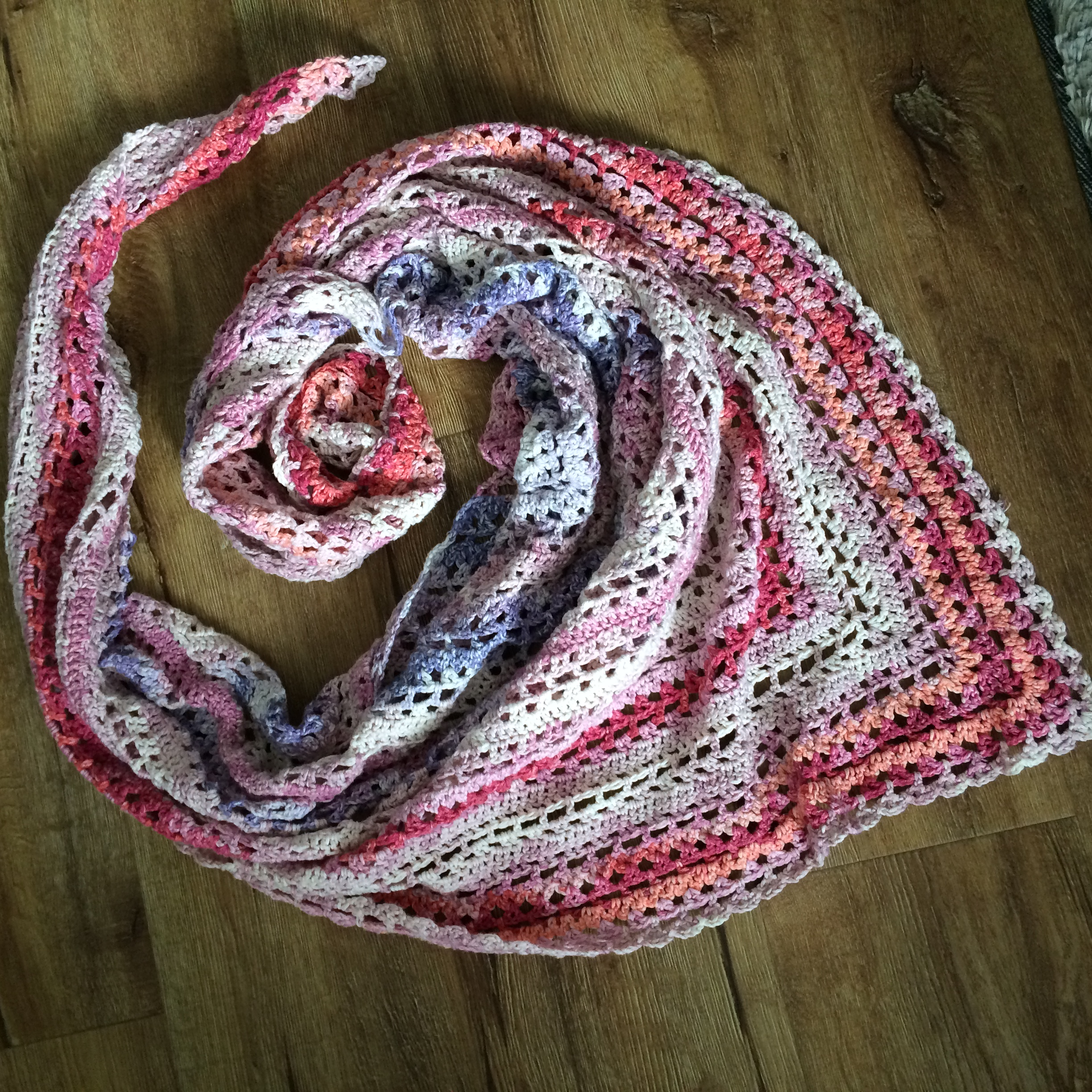 Crochet shawl pattern Reading in the Garden