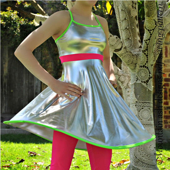 Stella Swing Top and Leggings Sewing Pattern in Girls Sizes 2-14 at Makerist - Image 1