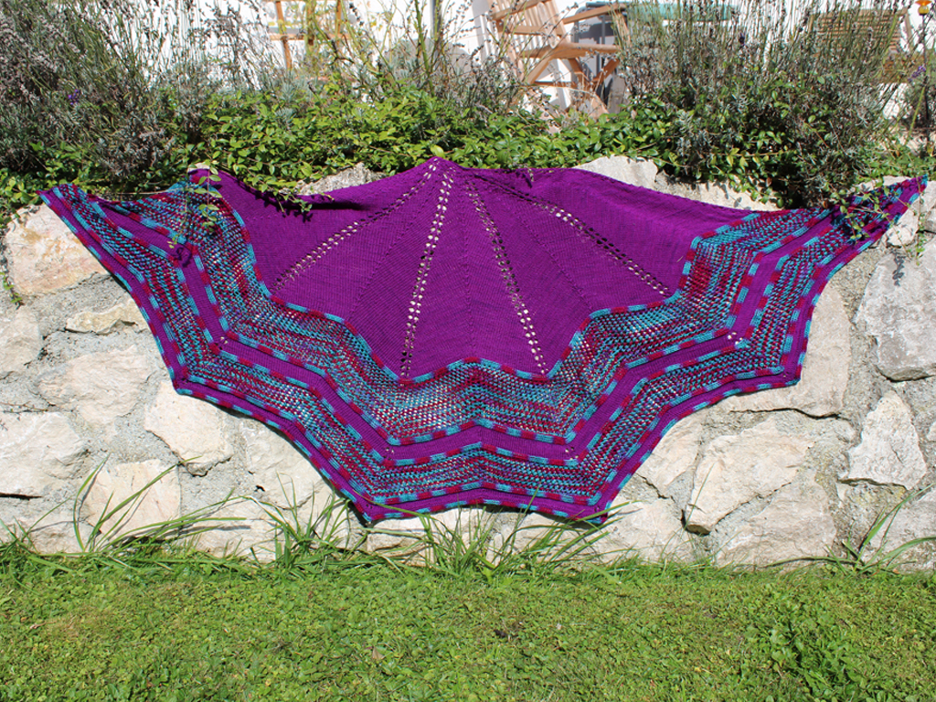 Hesperos - knitted star shaped shawl