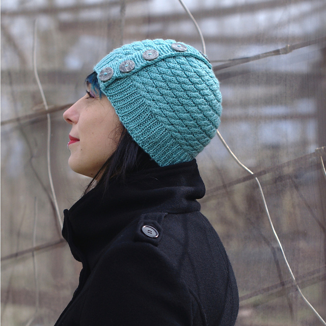 Niamh cabled beanie - knitting pattern