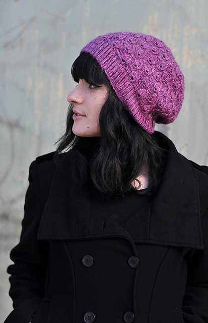 Pavone slouchy hat - knitting pattern