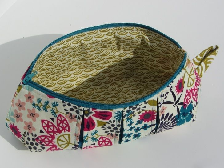 Pleated zip pouches - zipper cosmetic bag at Makerist - Image 1