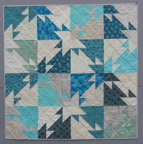 Triangle Challenge - modern quilt pattern - quilts patchwork sewing Fat Quater friendly at Makerist