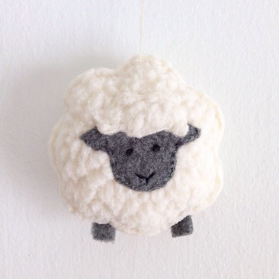 Little Sheep Sewing Pattern - Christmas Ornament - Plush Toy at Makerist - Image 1