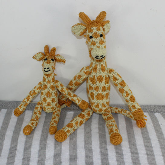 Cute Mother and Baby Giraffe Toys at Makerist - Image 1