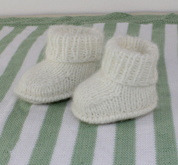 Baby Fluffy Booties at Makerist - Image 1