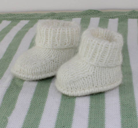 Baby Fluffy Booties at Makerist