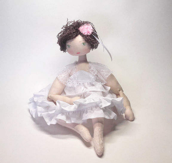 Rag doll sewing pattern and tutorial - 35 cm (13,65 inches) tall - Nuumber 37 at Makerist - Image 1