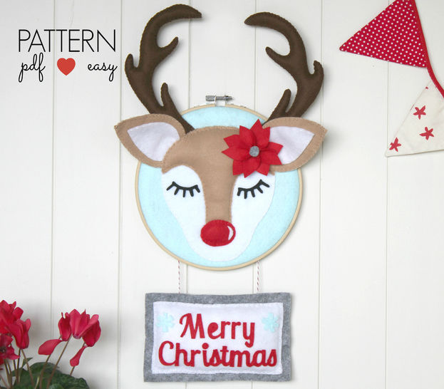 Christmas Door Sign Pattern - DIY Christmas Decor - Christmas Deer Pattern at Makerist - Image 1