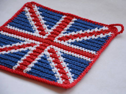 Union Jack Potholder Pattern (with Crochet Basics) at Makerist