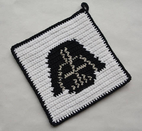 Darth Vader Potholder Pattern (with Crochet Basics) at Makerist