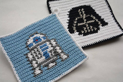 Crochet Pattern Set - R2D2 and Darth Vader Potholders - for beginners at Makerist
