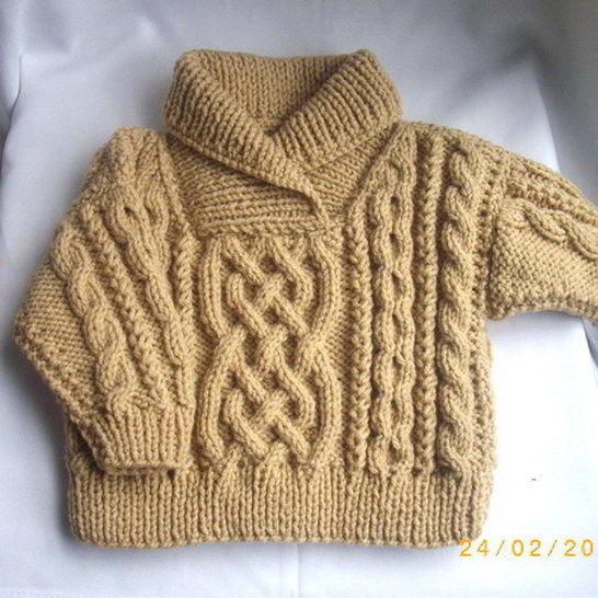 Liam child's aran sweater - knitting pattern at Makerist - Image 1