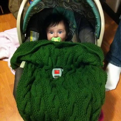 Stroller or car-seat blanket - knitting pattern at Makerist