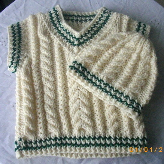 Eamonn cable pullover and hat - knitting pattern at Makerist - Image 1