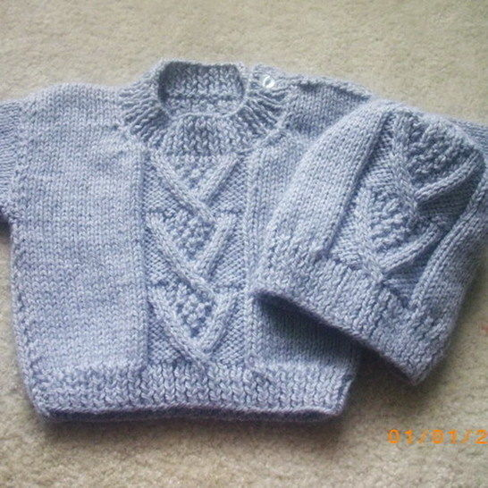 Ardan baby or toddler sweater and hat - knitting pattern at Makerist - Image 1