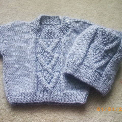 Ardan baby or toddler sweater and hat - knitting pattern at Makerist