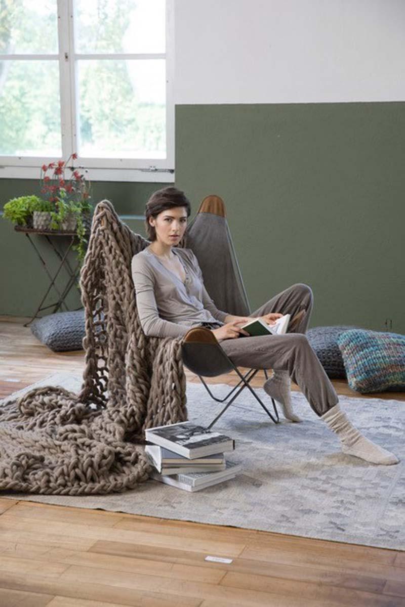Grande couverture à tricoter avec les bras