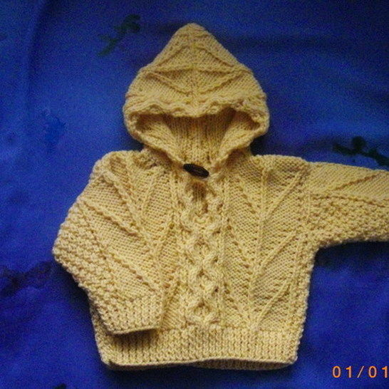 Enda toddler hooded pullover - knitting pattern at Makerist - Image 1
