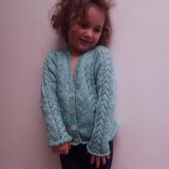 Dearbhla girls cardigan - knitting pattern at Makerist - Image 1